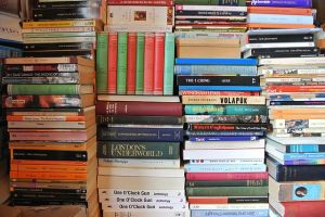 640px-Stack_of_Books